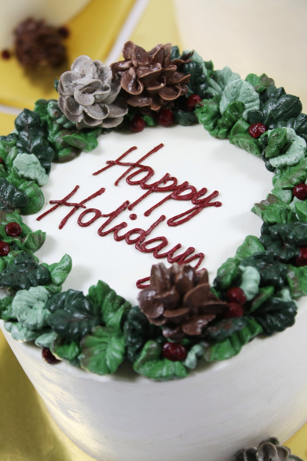 Christmas Cake Decorating With Buttercream : Merry Christmas - 2014 Holiday buttercream cakes   Eat ...