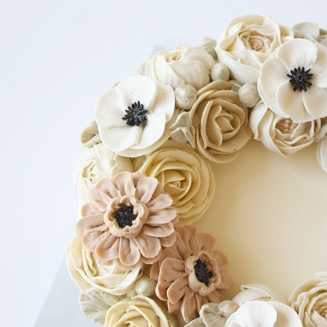 Buttercream rose anemone flower cake