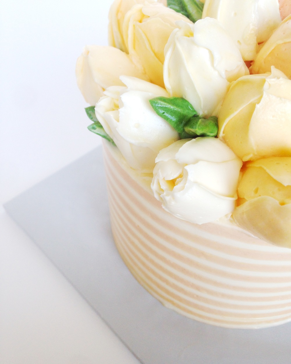 Buttercream tulip flower cake