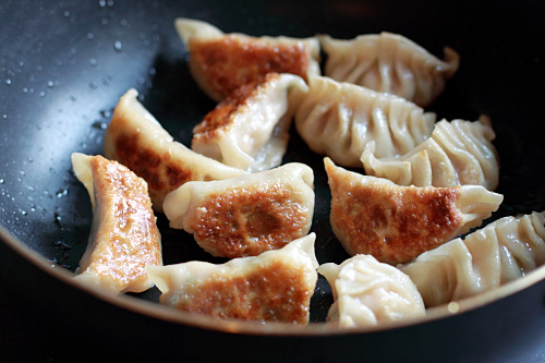 Recipe: Easy Gyoza (Japanese Pork and Shrimp Pot Stickers ...