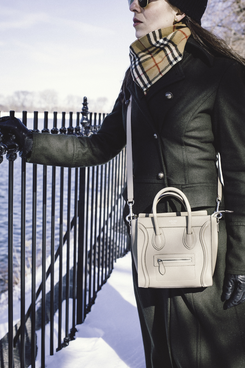 Bag details: the  Celine  Nano crossbody bag in beige.  Photo by  Francisco Graciano .