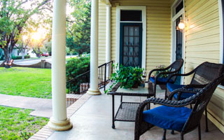 OrchardHousePorch_320w.jpg
