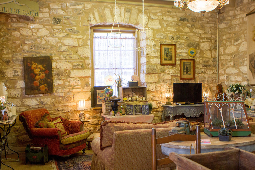 tx in wild luxury minutes fredericksburg cottage wing cottages cabin vrbo private