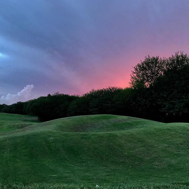 Post eclipse island evening on the golf course #golfcourseviews #pinkskies
