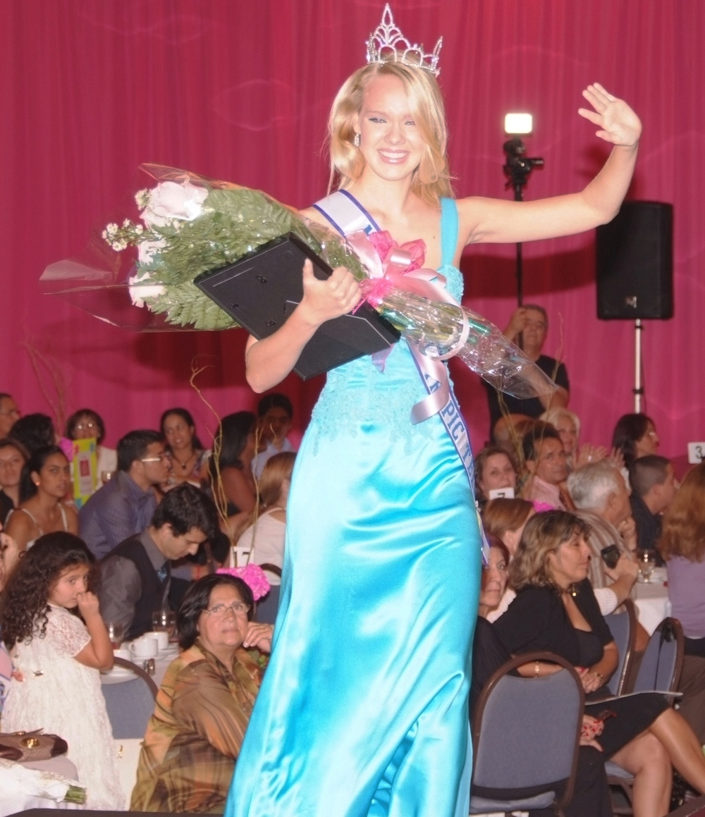 Leslie Duffie    Miss MIami Tropic Teen 2010