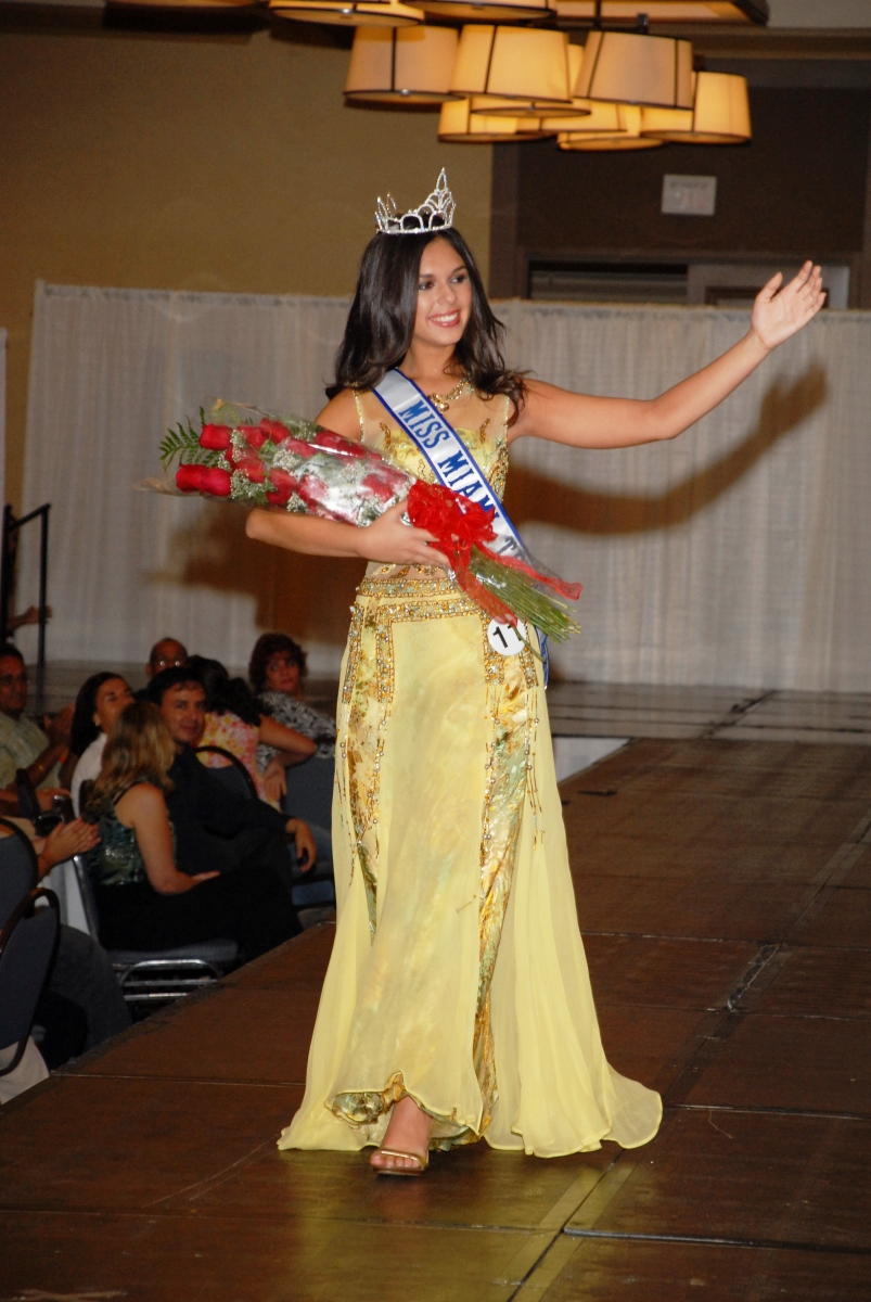 Danielle Mc Crimmon     Miss Miami Tropic Teen 2007