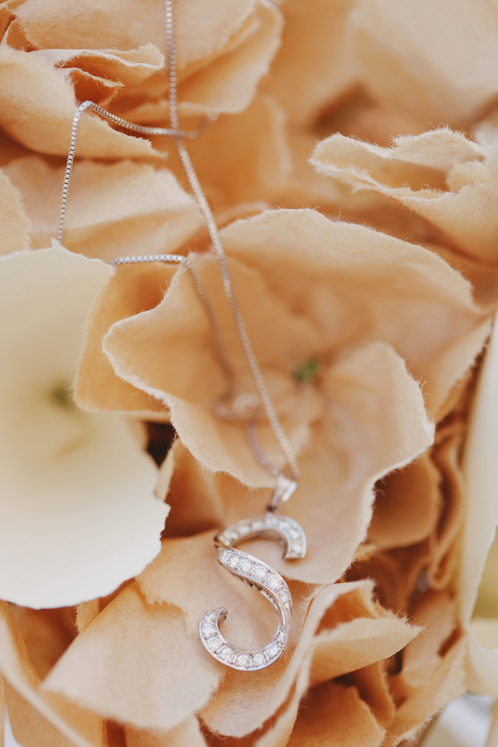 DIY_Wedding_Paper_Flowers_Wedding_Decoration_Details-03.JPG