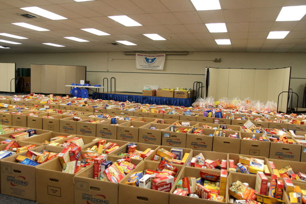 2018 Holiday Food Boxes (photo courtesy of Josh Shannon, Newark Post)