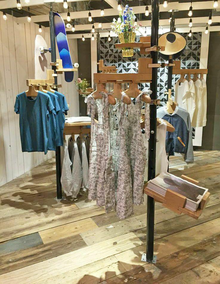 Boutique éphémère pour les vêtements Semis, à Urban Outfitters, New York