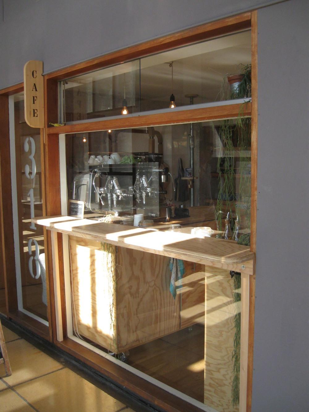 Café - Boutique de la marque Semis, Cité Radieuse, Marseille
