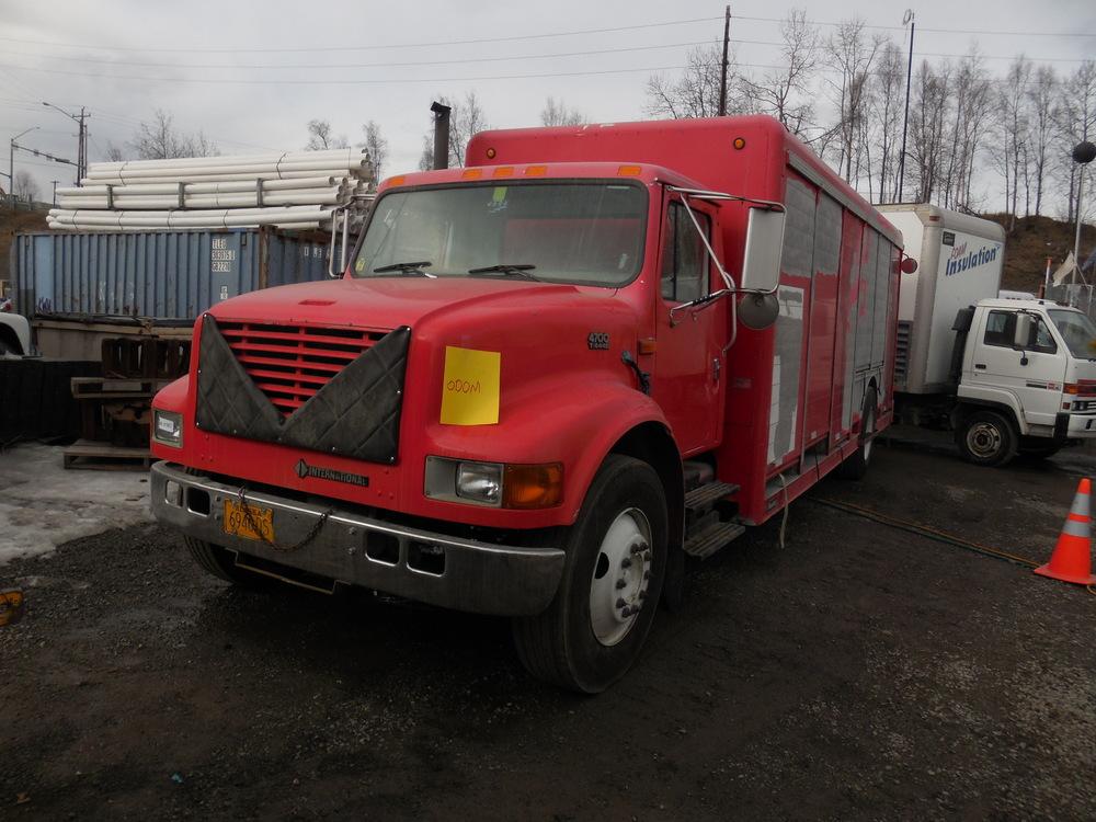 1999 Navistar 4700 Beverage Truck