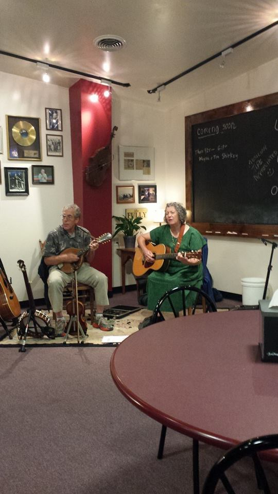 Photo courtesy of Nate's Pizza   Local musicians Lucy Allen Marshall Goer entertain their pizza loving audience.