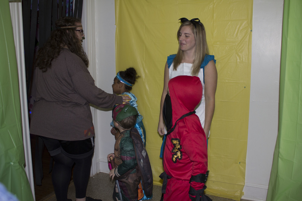 The kids going through Chinquapin 8 got to take pictures with Alice from Alice in Wonderland.