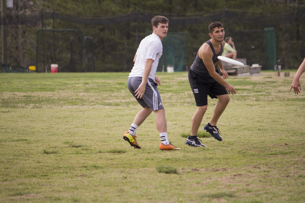 Josh Mckeown throws ahead to his teammate.
