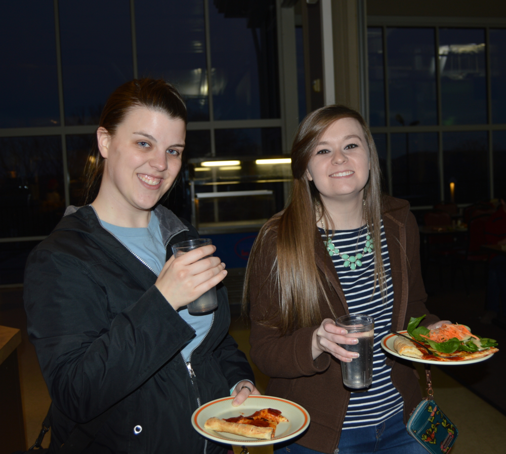 Missy Roberts and Lauren Southards grab some dinner.