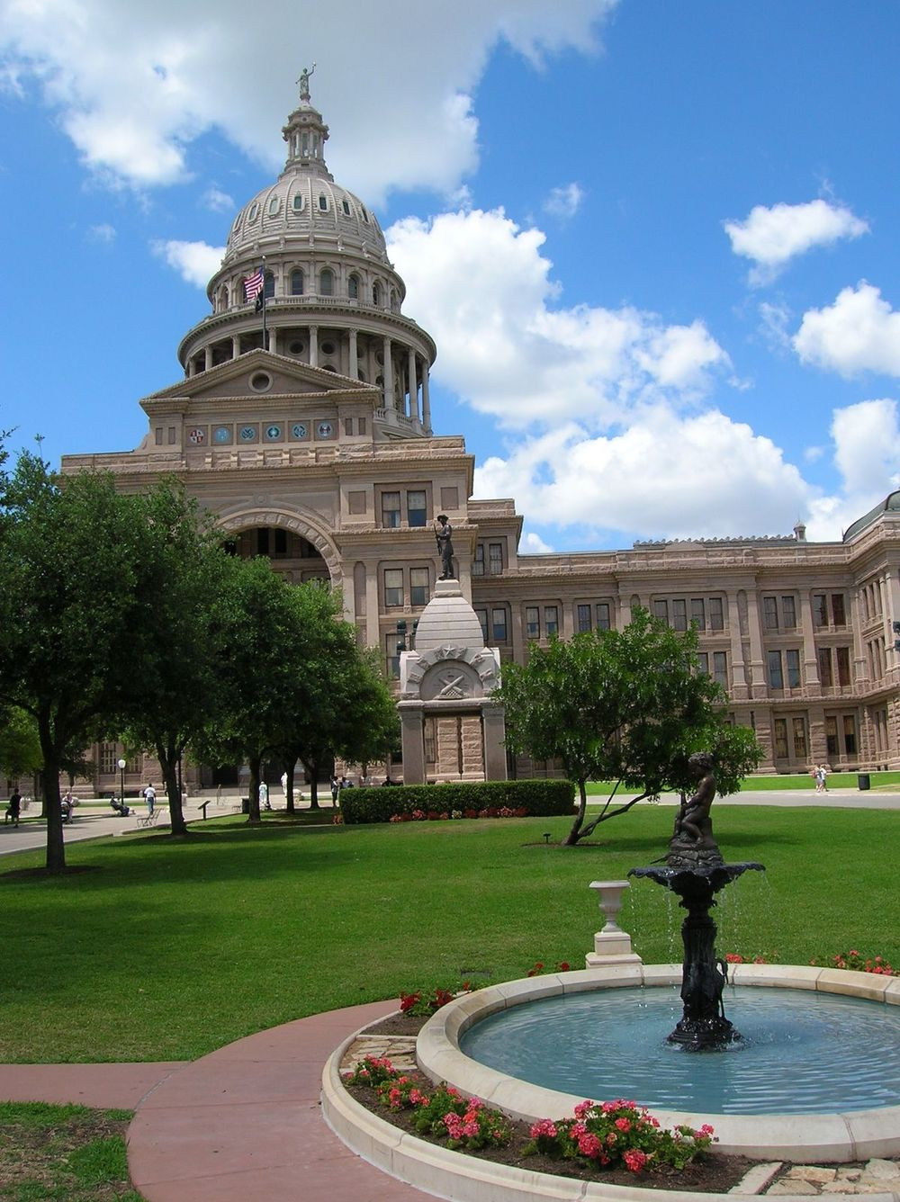 The Capital Building in Austin, Texas. Courtesy of freeimages.com.