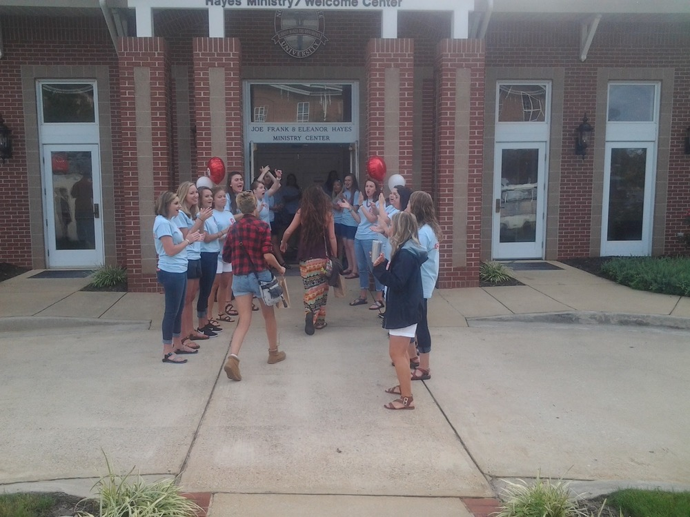 FYE mentors excitedly welcomed the freshman. Photo Credit: Carrie Henderson