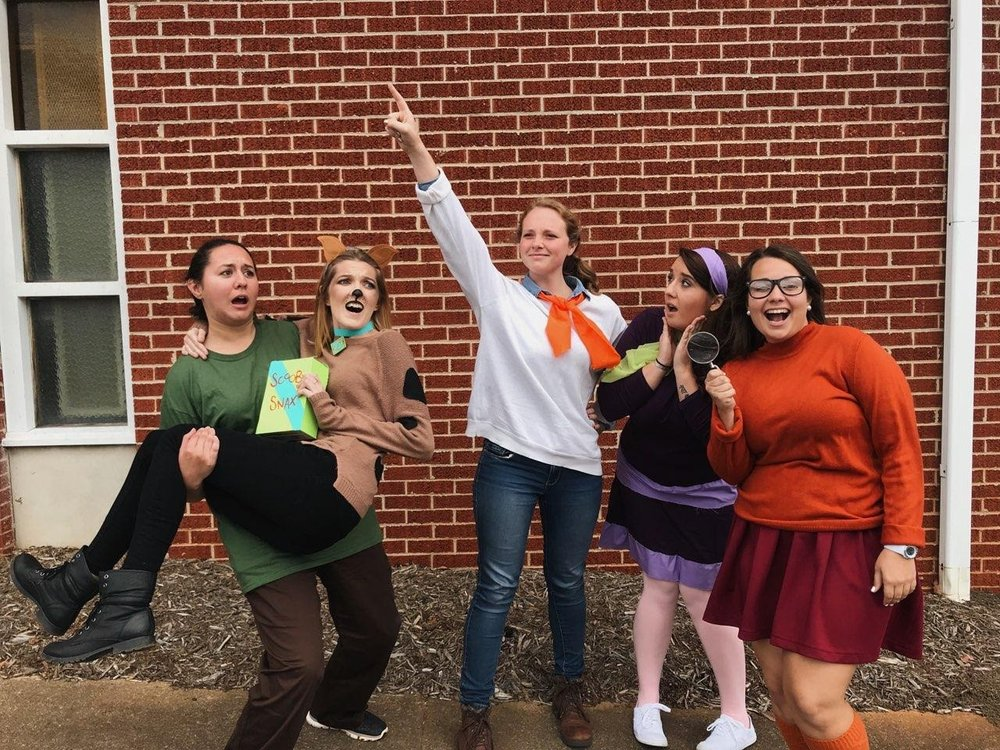 From left to right: Senior Megan Harry, Sophomore Sarah Ellison, Senior Jessica Pearce, Senior Emma Cross, and Junior Holly Jennings pose in the most natural way Mystery Inc. would.