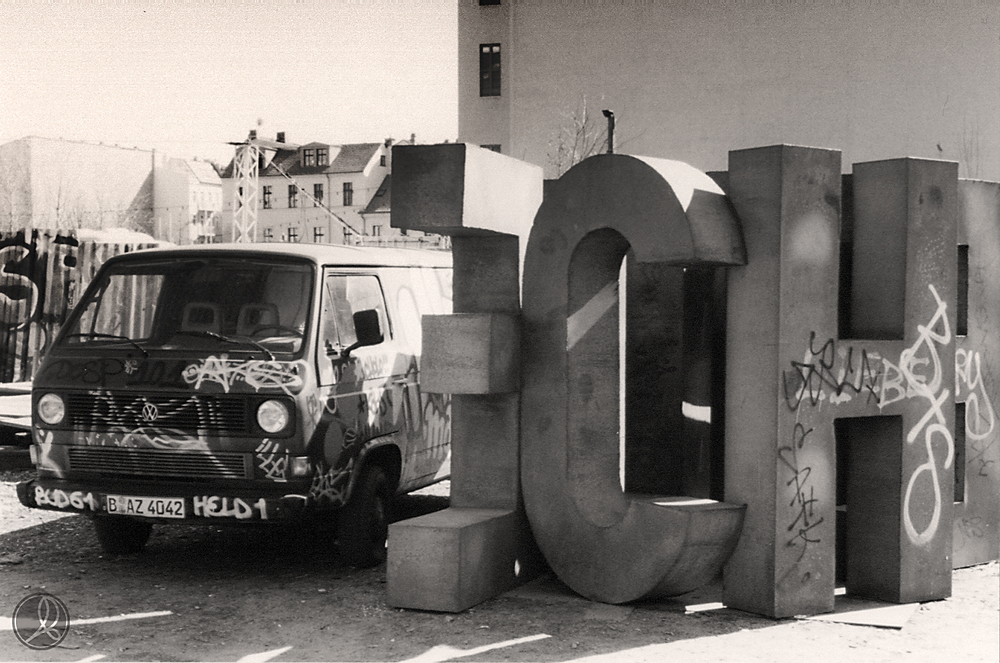 Secret Squat - Berlin 2004
