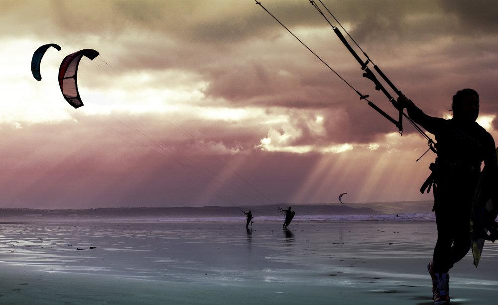 Kitesurfers - copyright KAPO 2017