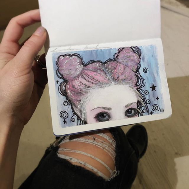 📌One of my art goals for 2019 is to fill two of my mini sketchbooks with little mixed media sketches between game work〰️, along with speed videos of the process. Starting off with this little #peekaboo #oilPastel and #Ink #mixedmedia ⭐️💕. #Sketch #One