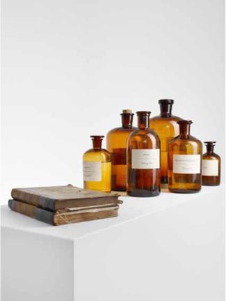 D11, C22, D33   Wasser, homöopathische Essenzen, Glas, Papier   2011