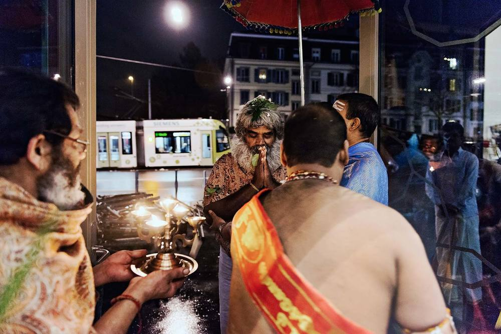 Maison des religions Berne, inauguration du temple hindouiste, arrivée du Sadhu du Sri Lanka.