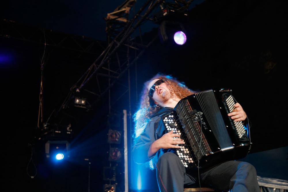 Motion Trio en concert au Paléo Festival, Nyon, Suisse, le 19 juillet 2006.
