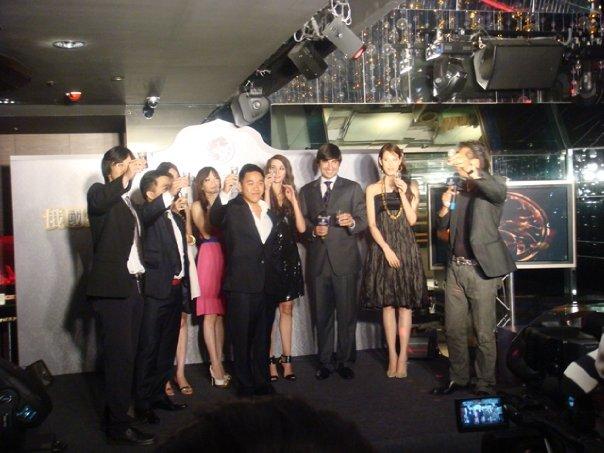 """俄国斯丹达台湾上市活动    台北    俄国斯丹达的台湾上市活动是在台北最受欢迎的""""  CLUB PRIMO  """"私人会所举办。当晚我们邀请了台湾著名主持人徐乃麟先生来主持晚会,并有多位受欢迎的台湾歌星  /  影星出席  。"""