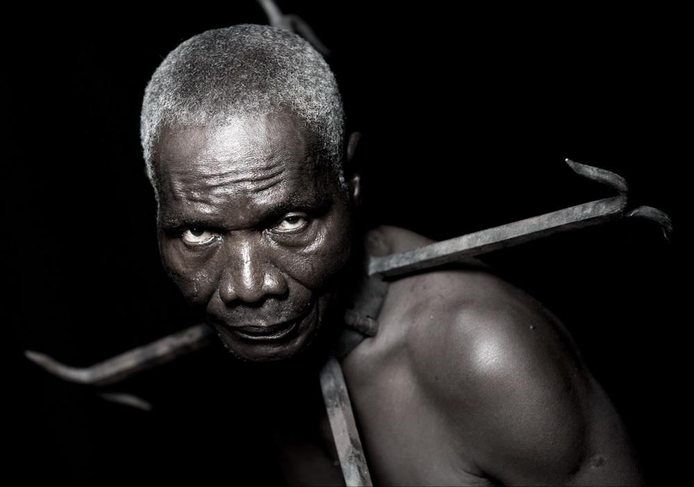 African Photography Network Fabrice Monteiro10.jpg