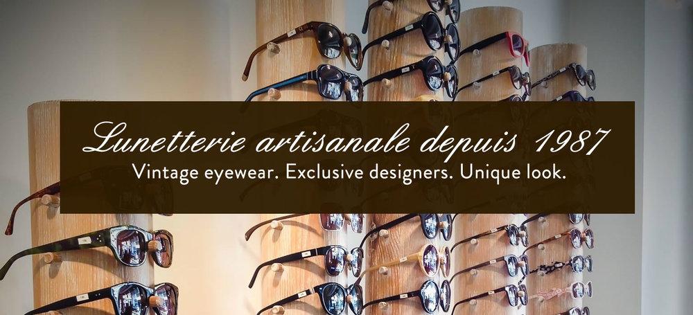 Les Opticiens du Bac ont ouvert leurs portes en 1987 sur la rive gauche, au coeur du 7ème arrondissement entre le Musée d'Orsay et le Musée Rodin. Comme nos lunettes les plus appréciées, la boutique est ronde et entièrement habillée de chêne cérusé. De ce cadre noble et boisé se dégage une ambiance feutrée et conviviale. Nos clients peuvent faire leur choix parmi 2500 lunettes, en acétate de cellulose ou corne de buffle, déclinées dans une multitude de couleurs.