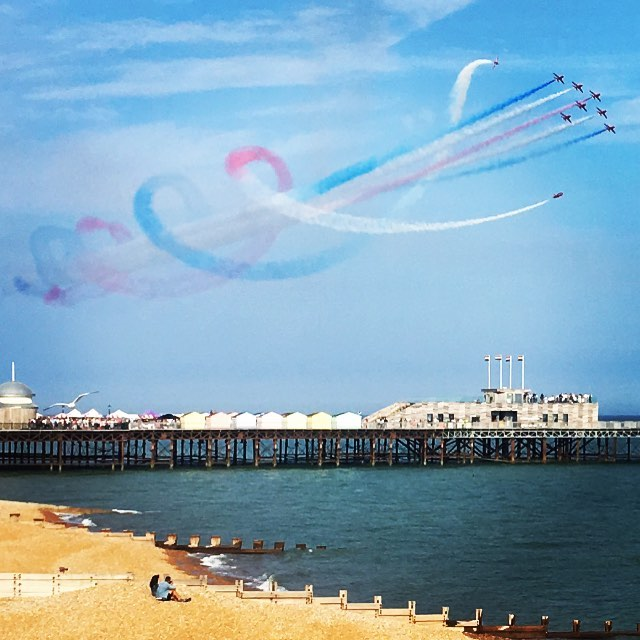 Weekend in St Leonard's and these dudes show up. #redarrows #aerobatics #hastings #stleonardsonsea #seaside #uksummer