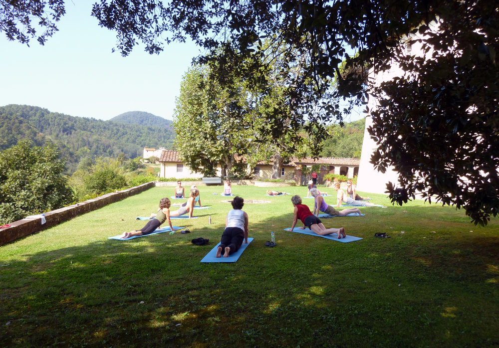 Blissful Yoga Retreat in Tuscany - Yoga al fresco in Tuscany