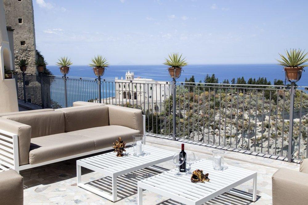 La Dolce Vigna-Calabria Wine Tour Hotel-La Dolce Vita-2.jpg