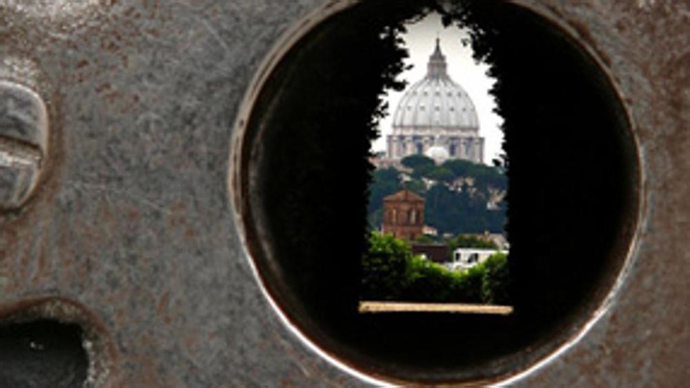 Things you Must do in Rome - Bucco della serratura - La Dolce Vigna.jpeg