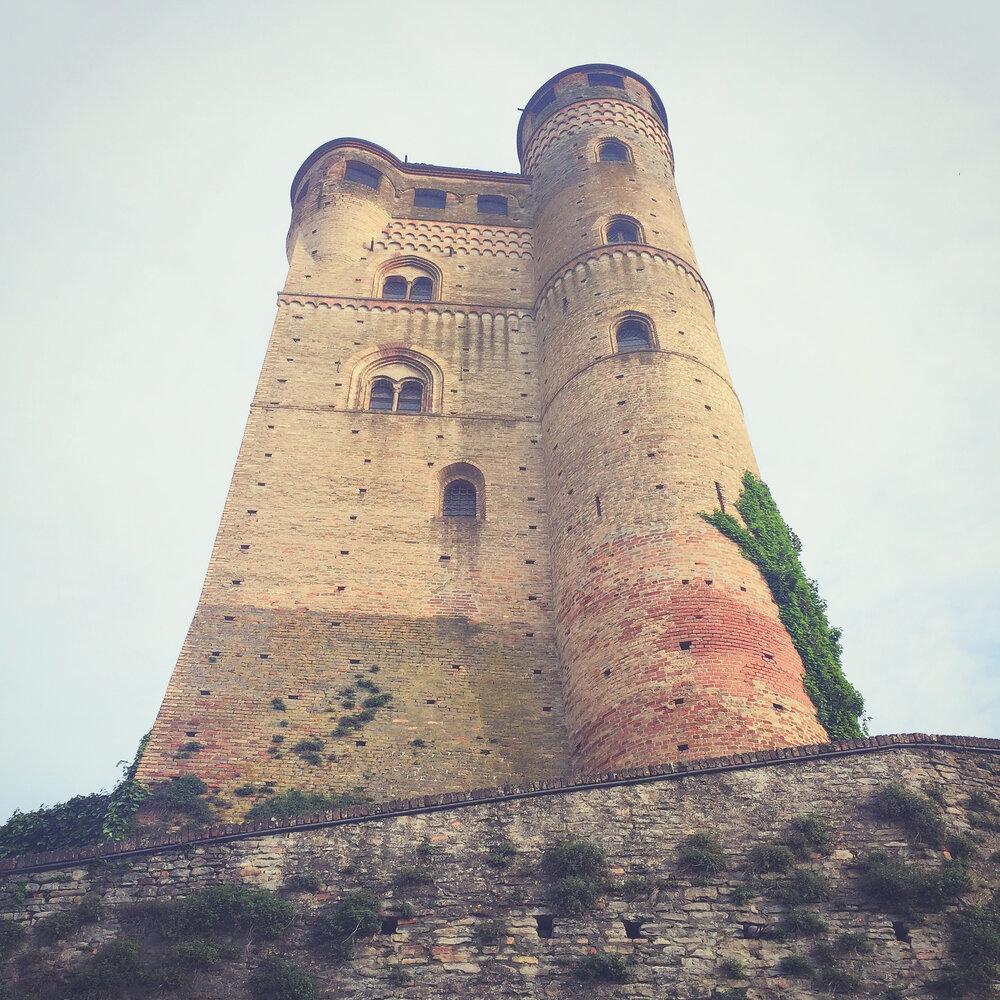 Best Piemonte Wine Tour - Serralunga d'Alba Castle