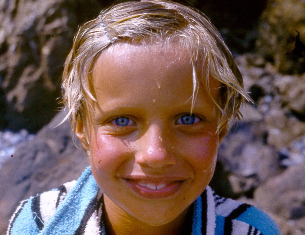 vica blue eyes.jpg