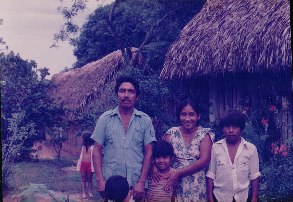 Mazatec Indian family in resettlement community of Las Margaritas, Oaxaca, Mexico, 1985  (Photography by Allison Bingham)