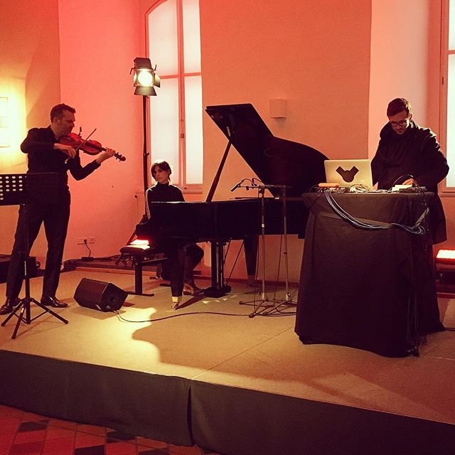 Bachspace tonight in Schloss Celle, Germany at #niedersächsischemusiktage #bachspace #baroquereimagined #indieclassical