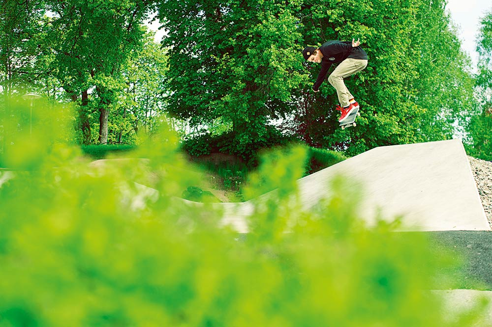 Joel Gunnarsson - Kickflip. Foto Adam Klingeteg