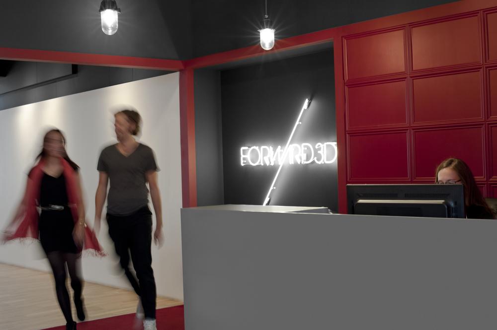 HeadshotLondon_Forward_DSC_3920x.jpg