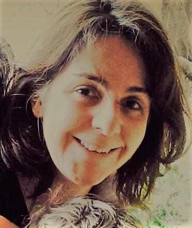 Helga Mendoza, Artistic Director