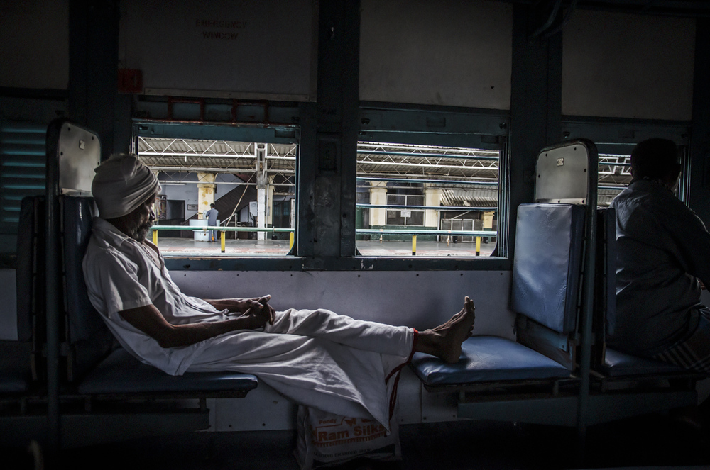 indian railways - commuting cultures14.jpg