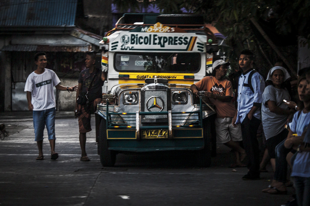 Filipino Jeepneys - commuting cultures3.jpg