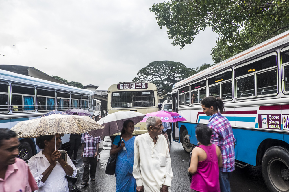 Sri Lanka buses - commuting cultures4.jpg