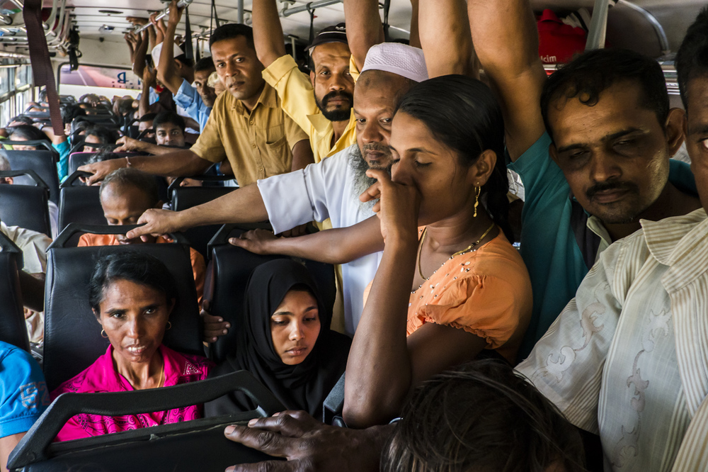 Sri Lanka buses - commuting cultures8.jpg