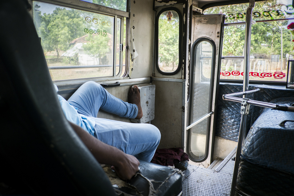 Sri Lanka buses - commuting cultures13.jpg