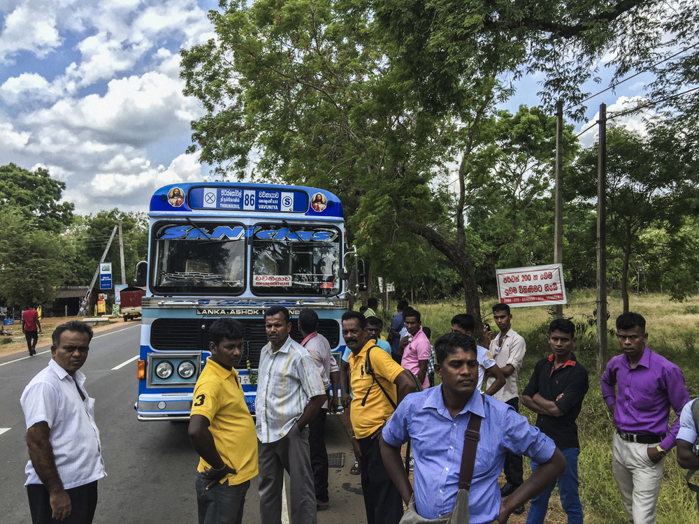 Sri Lanka buses - commuting cultures15.jpg