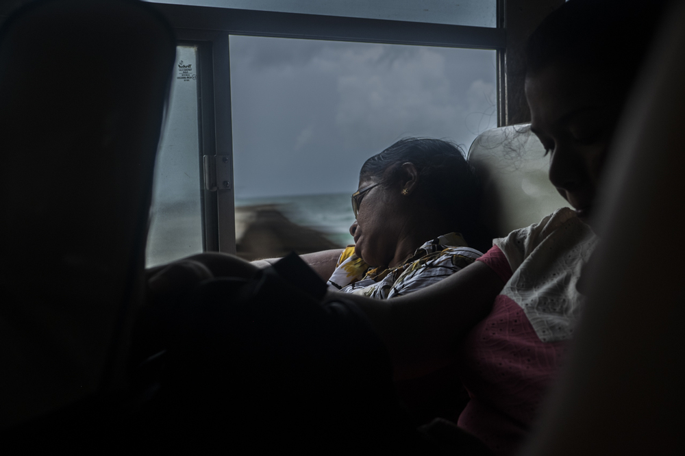 Sri Lanka buses - commuting cultures19.jpg