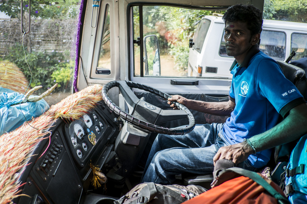 Sri Lanka buses - commuting cultures21.jpg
